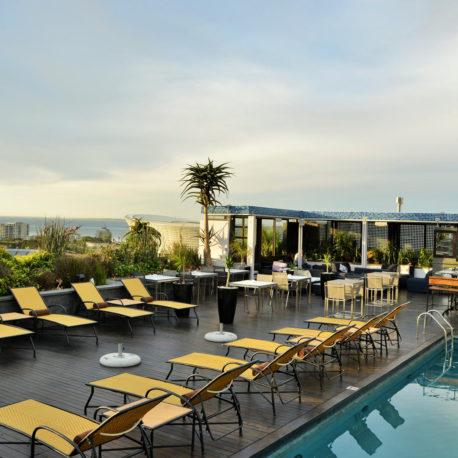 Cape Royale -zenith-pool-lounge