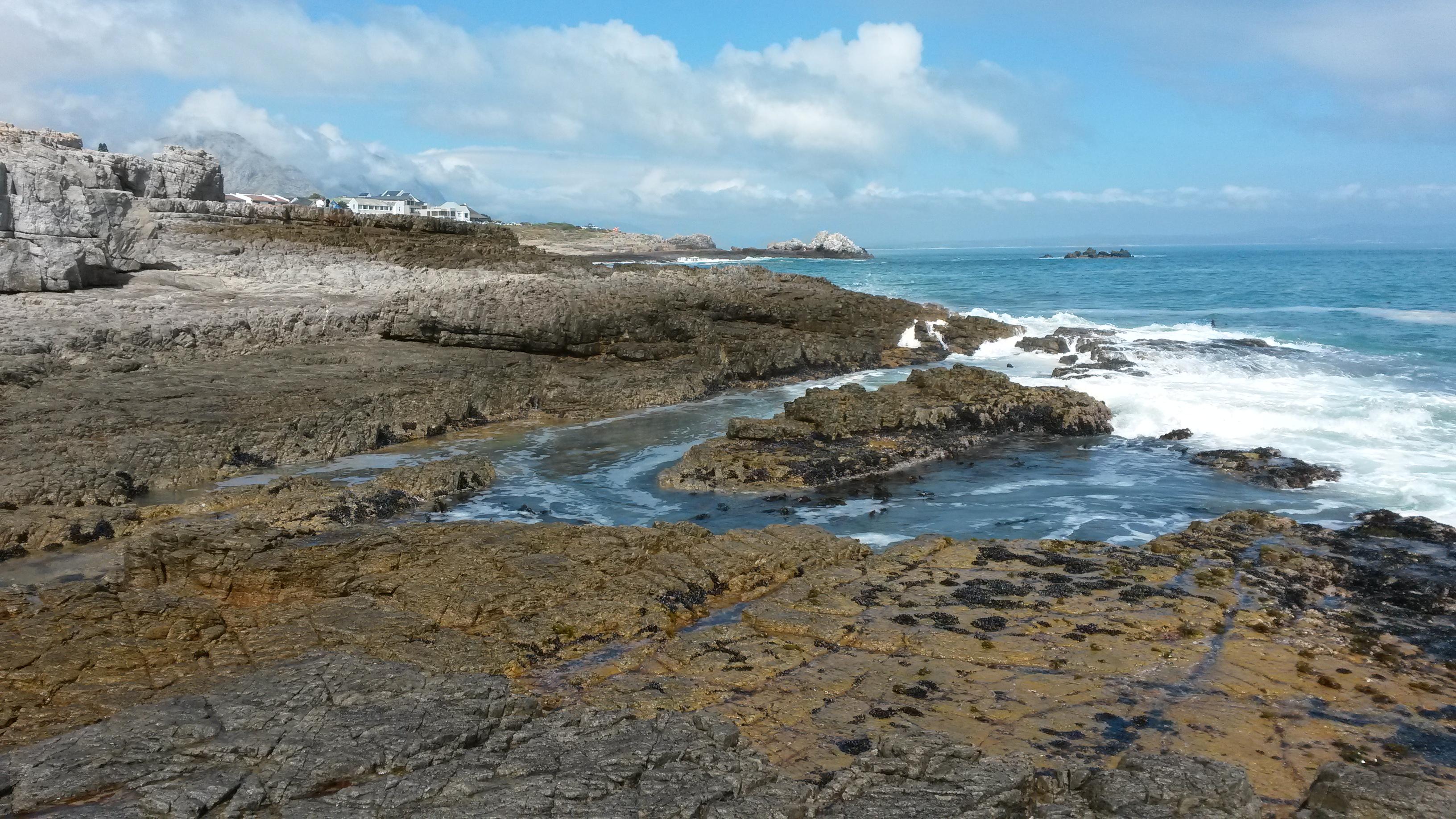 Brilliant views from the rocks in Hermanus of walker Bay